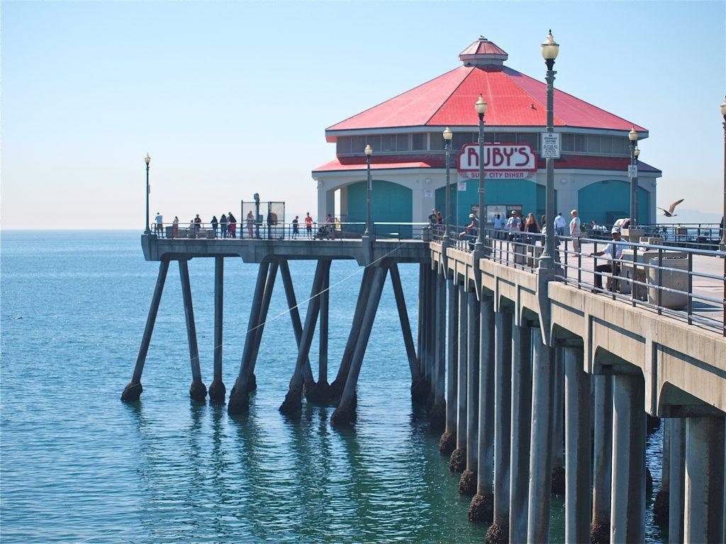 Huntington Beach Pier ...